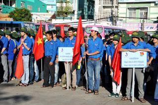 Tuổi trẻ Việt Nam chung sức vì cộng đồng