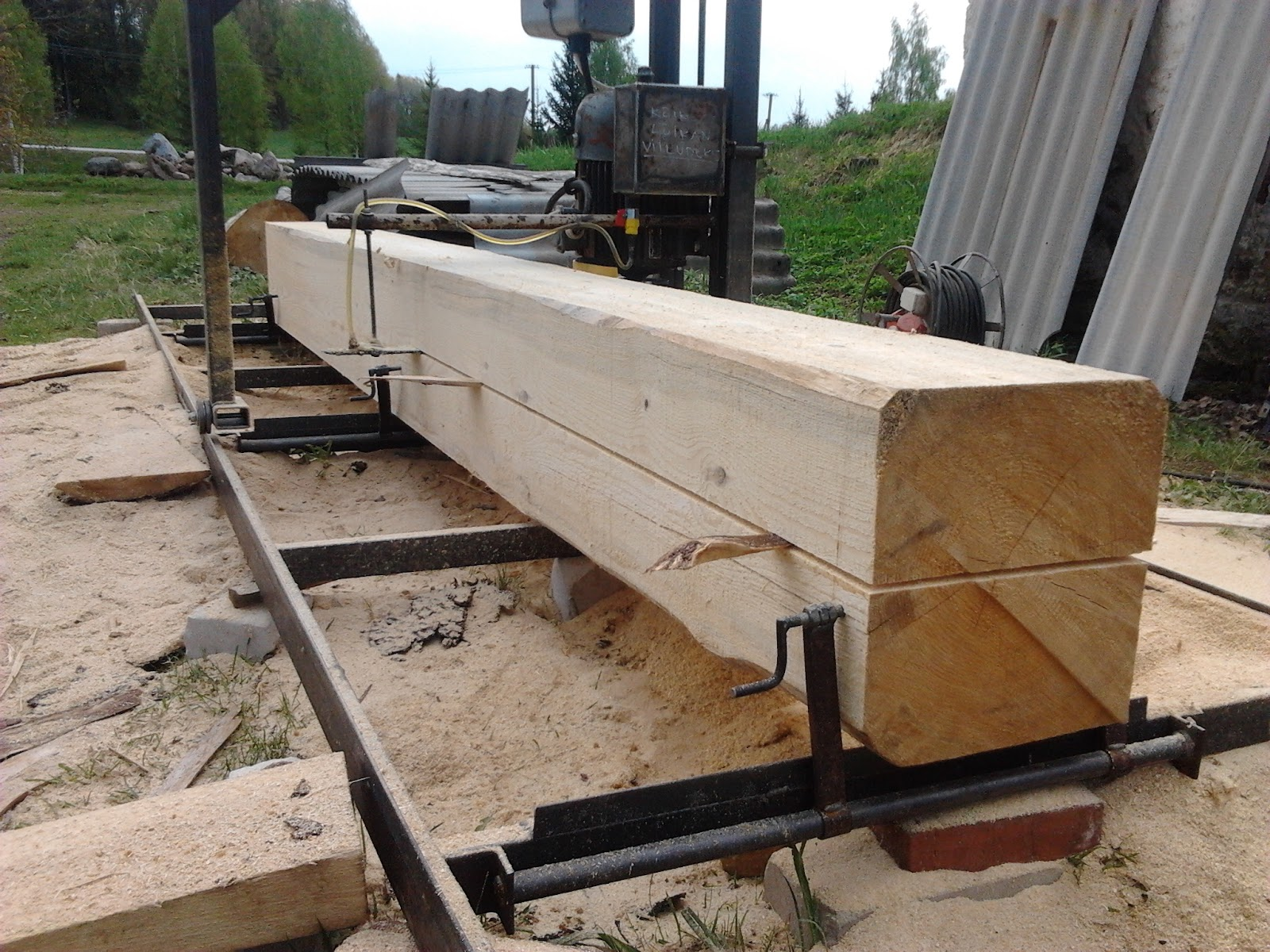Chain saw mill for Decking boards 6m long