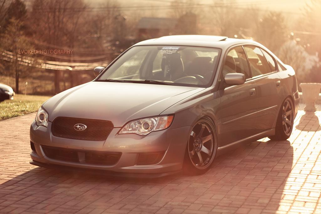 Subaru Legacy IV BL, sedany z napędem AWD, 4x4, boxer, fajne 4-drzwiowe auta, przód, brązowe felgi