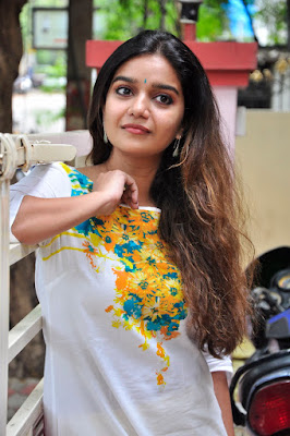HQ Pics n Galleries !!: Swathi Tripura Movie Interview Photos