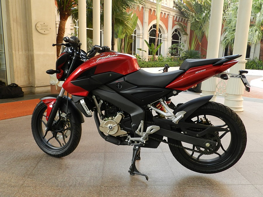 PULSAR 200 NS- New pictures and update - Throttle Mag