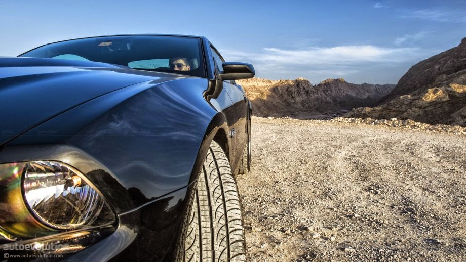 Frente do Novo Mustang preto