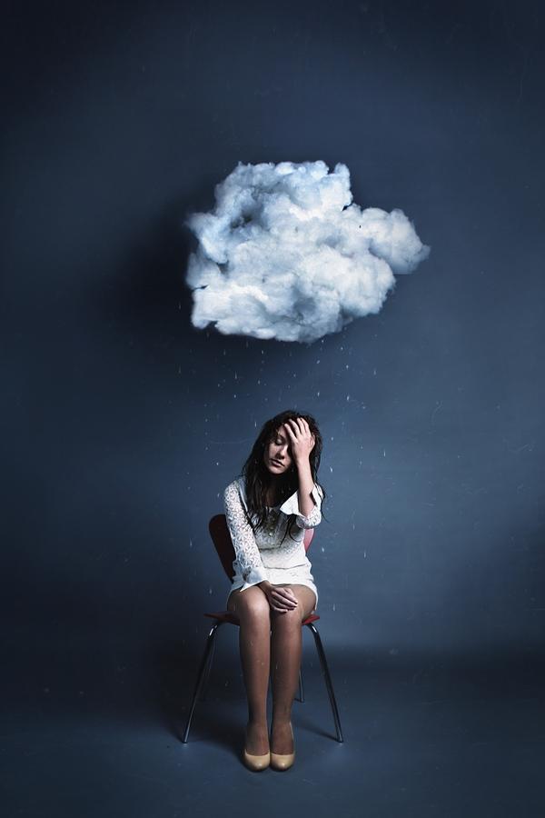 Rosie Hardy: Cloud -- Lokal regnbyge, en sky over hovedet