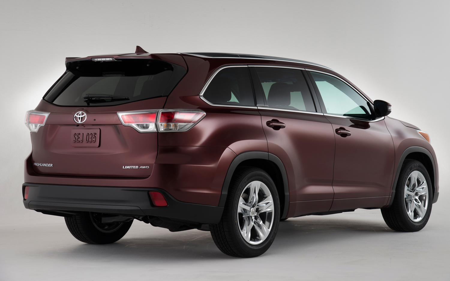 First Look2014 Toyota Highlander on rx vs tx