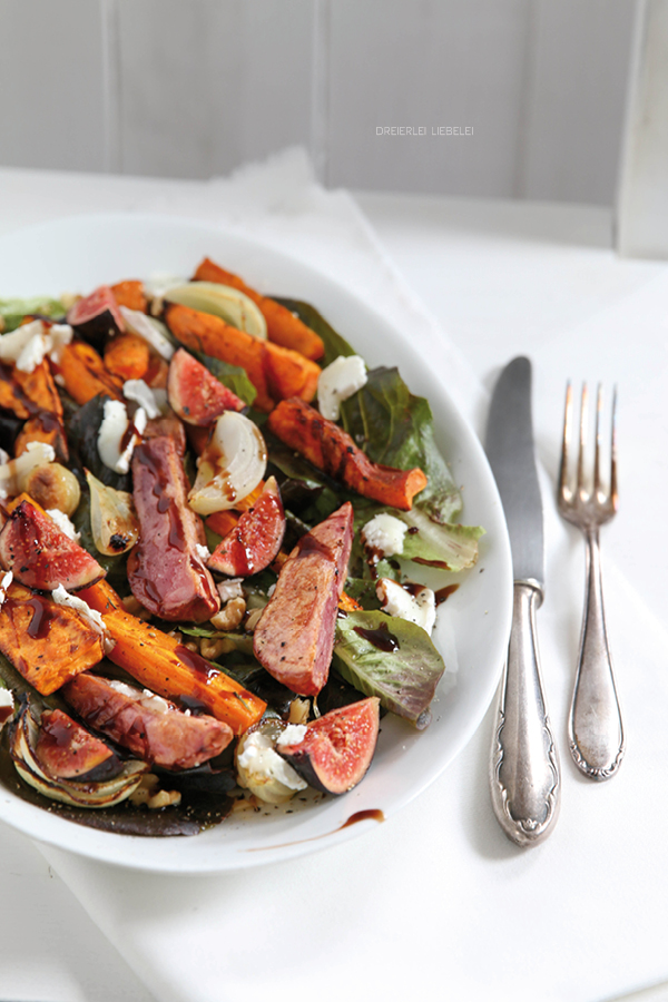 Salat mit Feigen,  Ziegenkäse und Walnüssen
