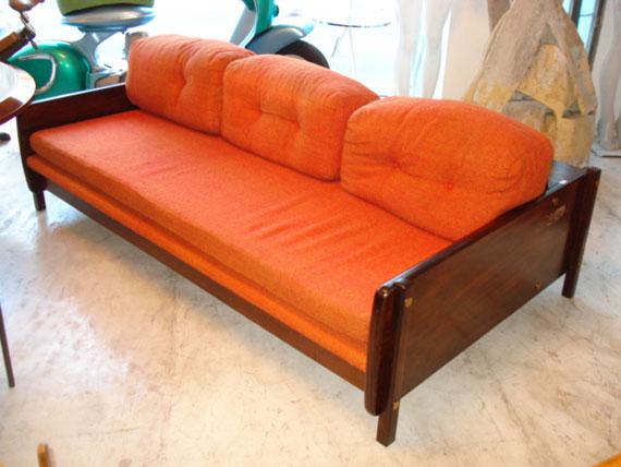 Tape aria artesanal 47 tradi o sofa anos 50 for Mobiliario anos 50