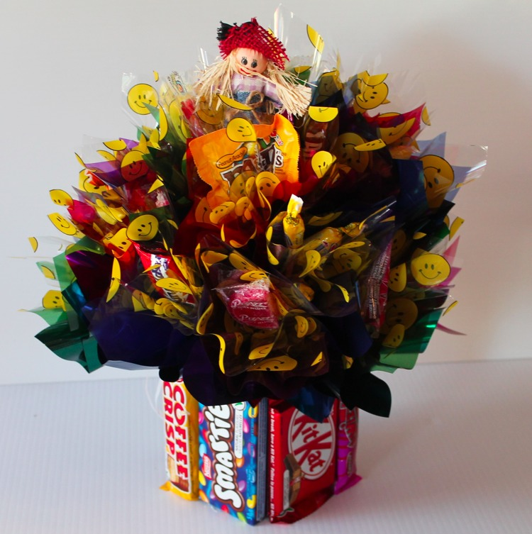 How to make a simple chocolate candy bouquet holiday gift ideas