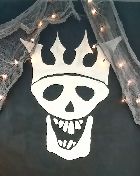 Diy halloween skull decorations - The Yellow Cape Cod Show Me Your Trunk Halloween Trunk Or