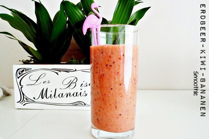 Erdbeer-Kiwi-Bananen Smoothie