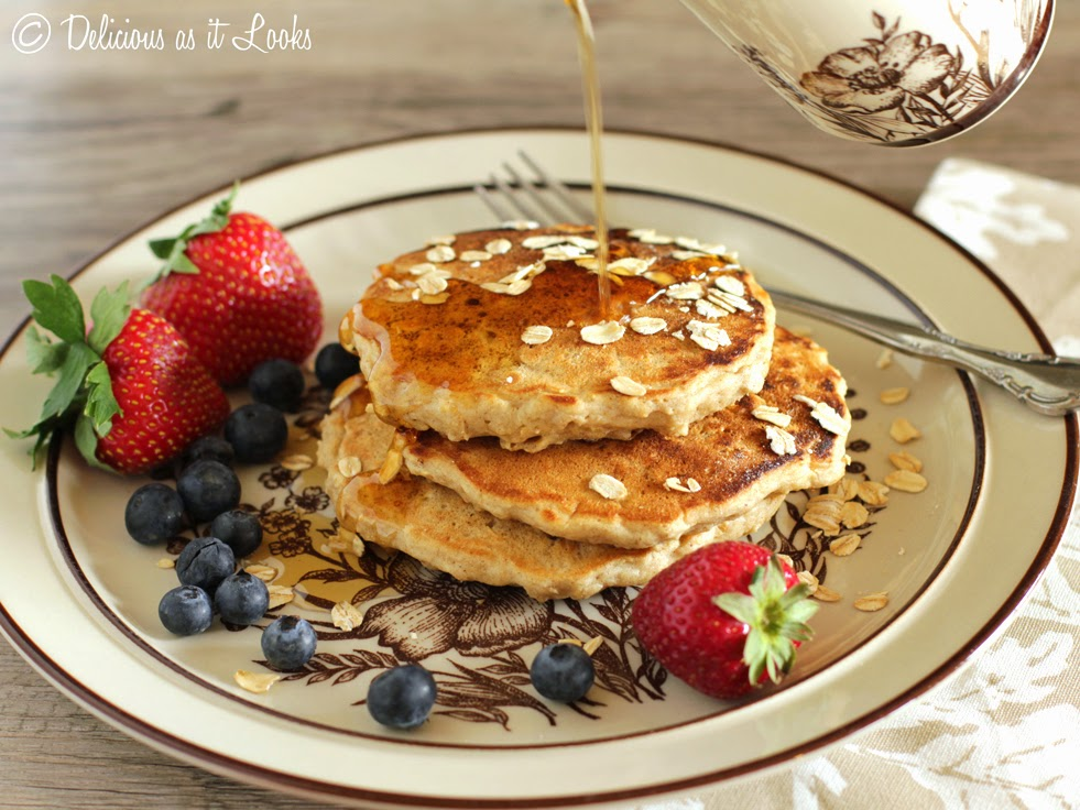 Cozy Oatmeal Pancakes {Low-FODMAP, Gluten-Free, Dairy-Free}  /  Delicious as it Looks