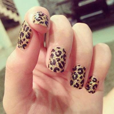 uñas pintadas leopardo