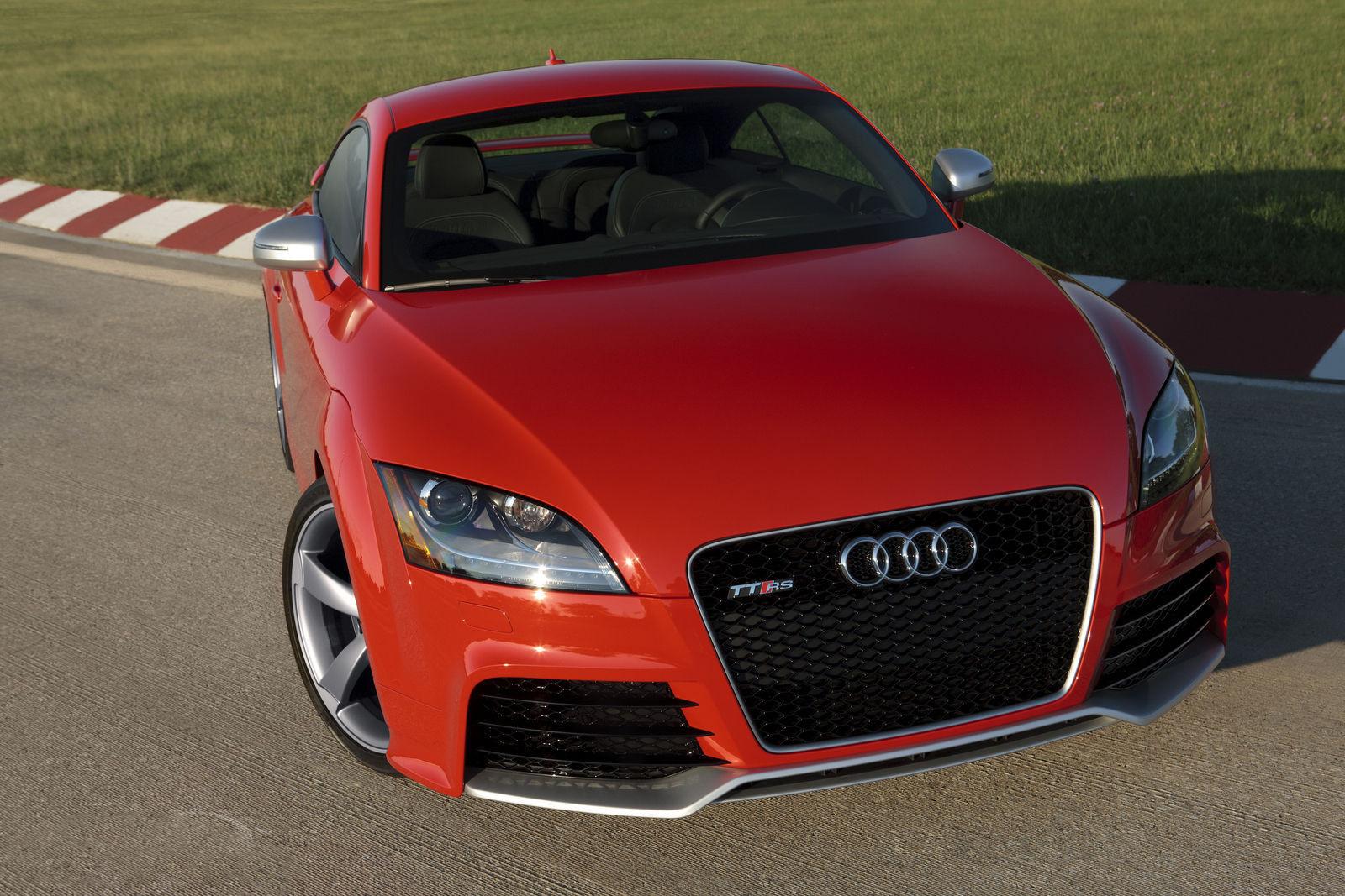 красный черный автомобиль Audi TT red black car  № 2626180 загрузить