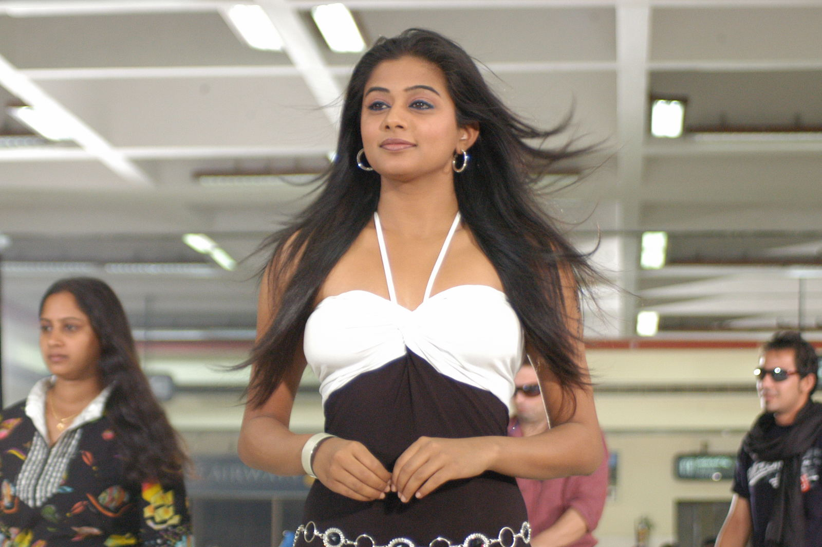 Priyamani 1 - Priyamani Hot Unseen Stills