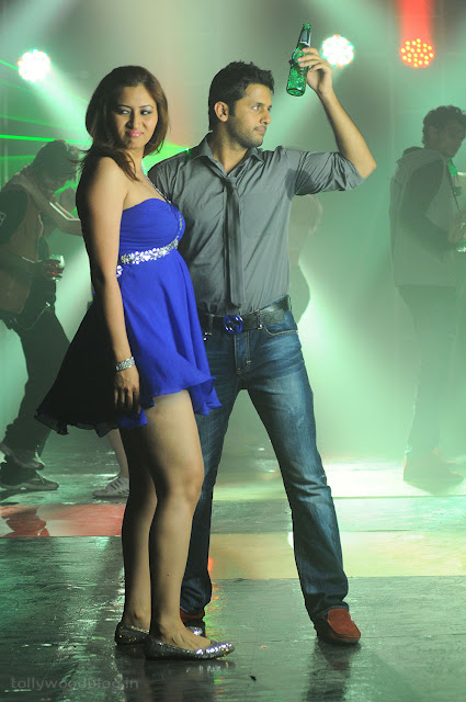 Jwala Gutta hot Gundejari Gallanthainde movie