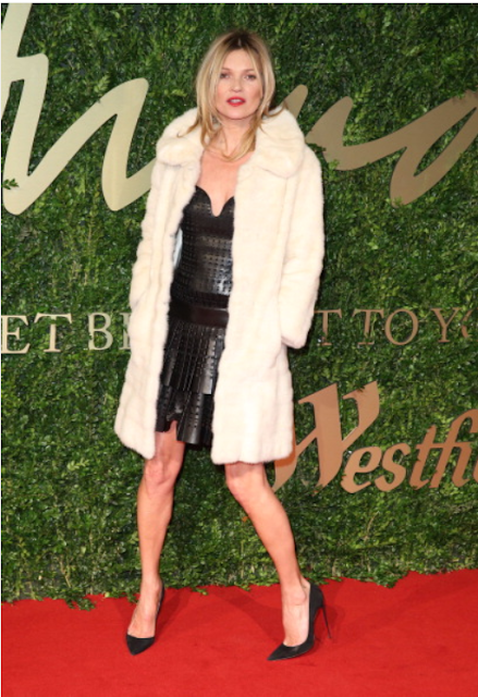 LONDON FASHION QUEEN KATE MOSS BROUGHT LONDON COOL   TO THE BRITISH FASHION AWARDS RED CARPET WITH HER RIMMEL RED LIP!