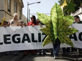 Comissão de juristas aprova proposta para descriminalizar uso de drogas