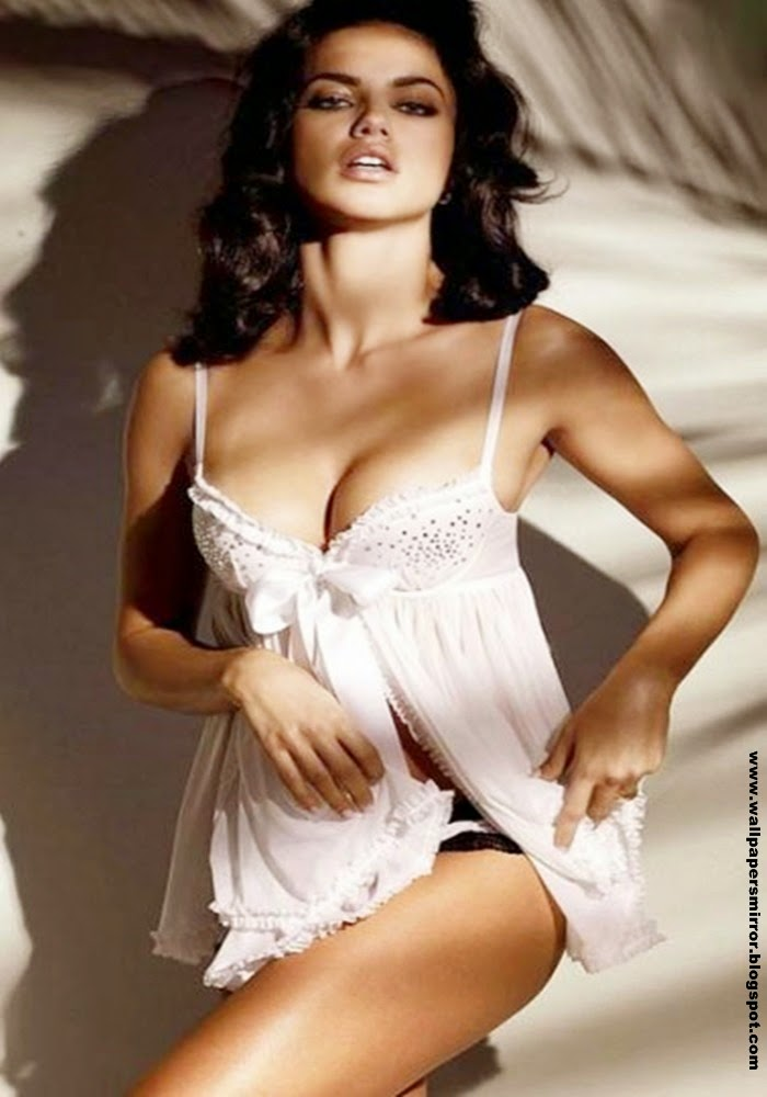 Top 10 Sexiest Hollywood actresses in 2015