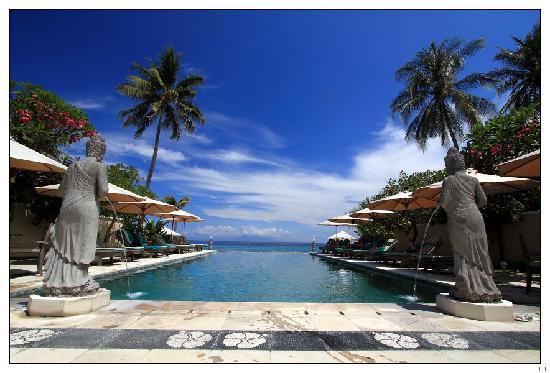 Keindahan Pantai Senggigi-Lombok
