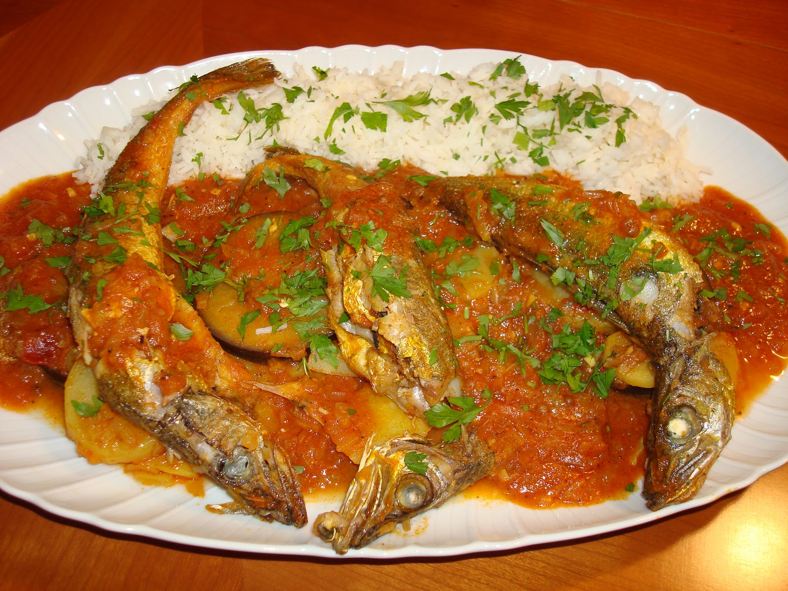 Guiso de pescado al estilo de la india