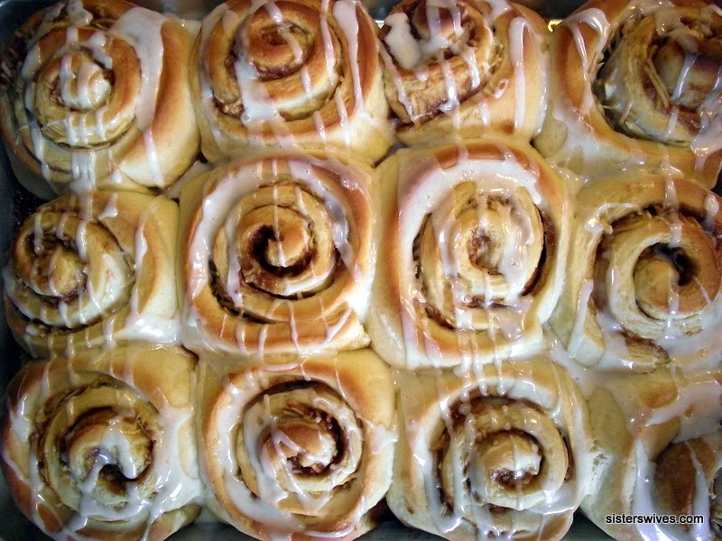 http://www.sisterswives.com/recipe/apple-fritter-cinnamon-buns/