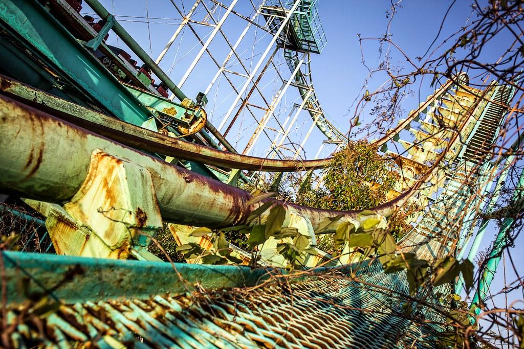 abandoned japanese theme park - photo #29