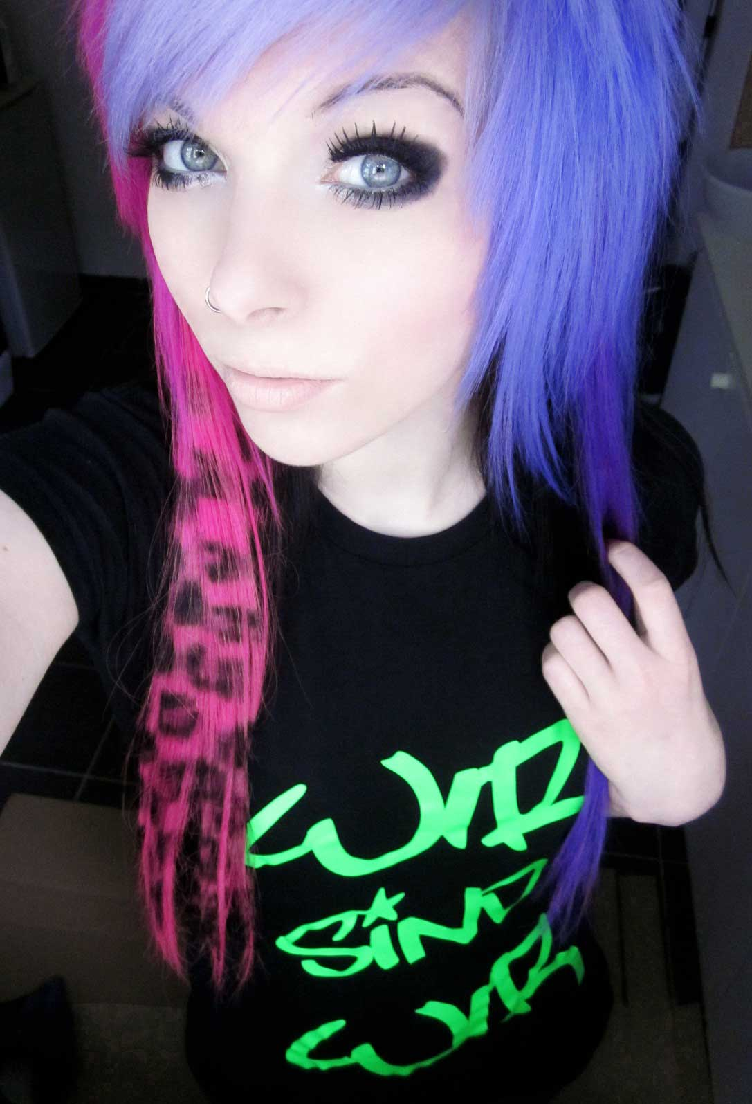 Emo Hairstyles For Girls - Get an Edgy Hairstyle to Stand Out Among ...