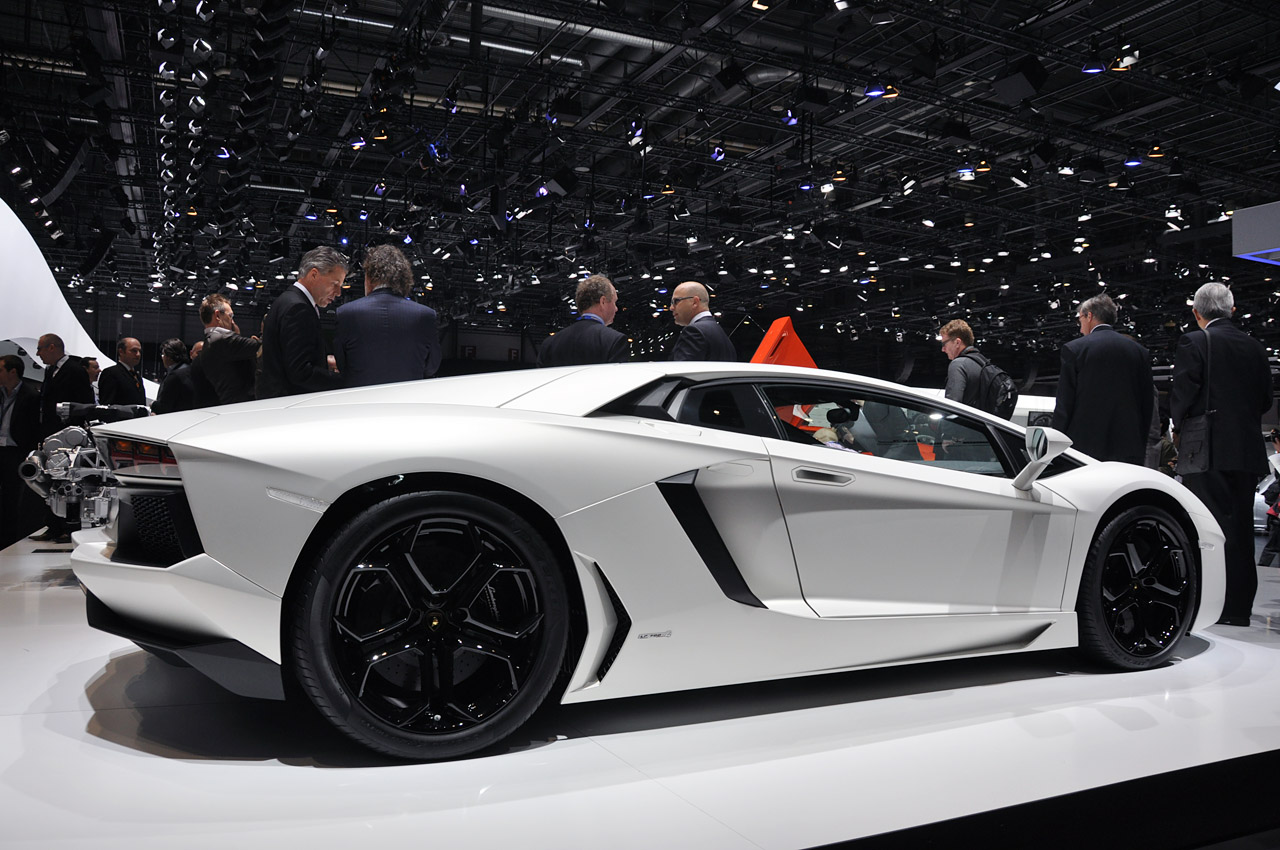 Hd Car Wallpapers Lamborghini Aventador Lp700 4