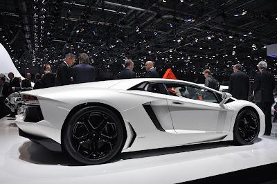 Lamborghini on Lamborghini Aventador Lp700 4   Cool Car Wallpapers