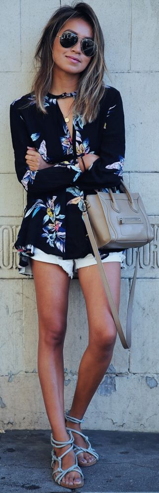 Lovely Floral Print Black Shirt Casual Style Outfit Look