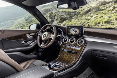 2016 Mercedes Benz GLC-class interior