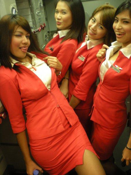Foto Seksi Bening Pramugari Air Asia