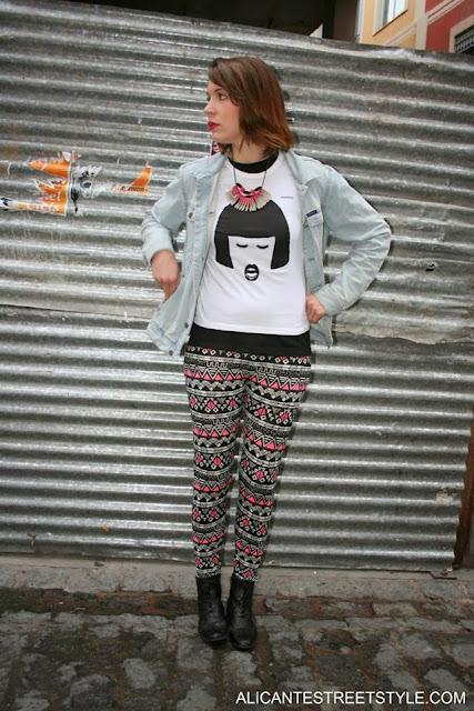 http://strambotica.es/es/9-camiseta-chica-lv.html