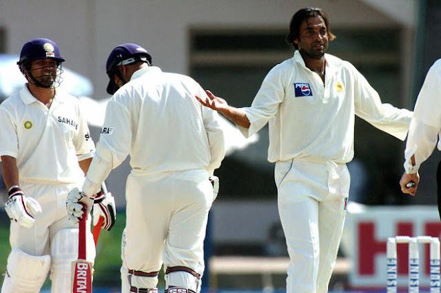 when sehwag hit four on shoib akhtar's bowl