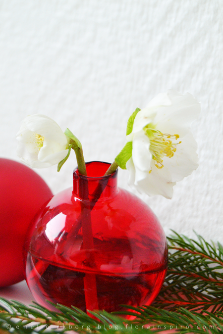 budvases, christmas baubls, diy, christmas baubles, bud vases from christmas baubles´