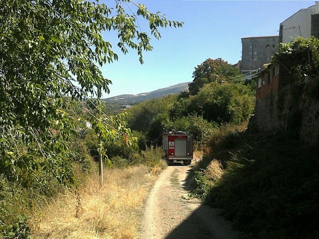 Camion de los bomberos de Béjar en el incendio de la Cuesta e los perros