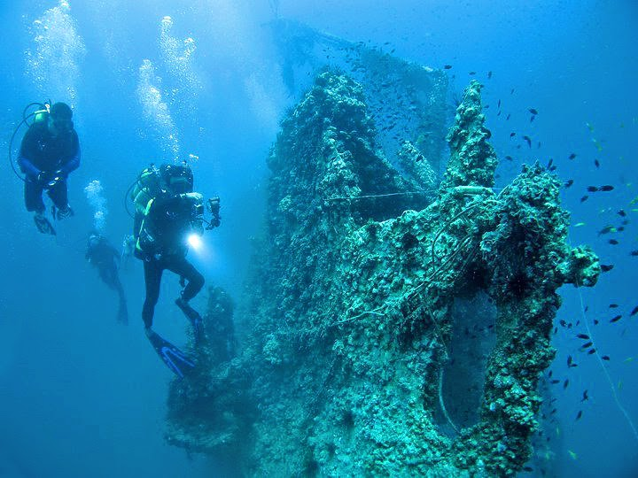 Wreck diving Kuching, Sarawak