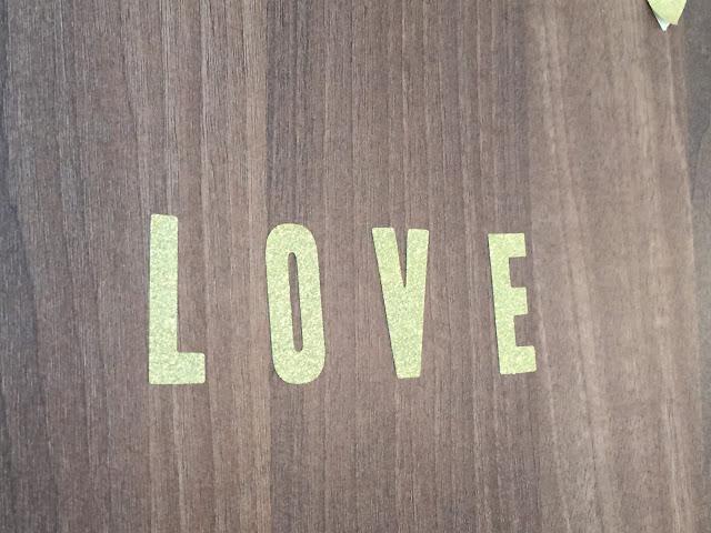 Letras de parede douradas H&M Home