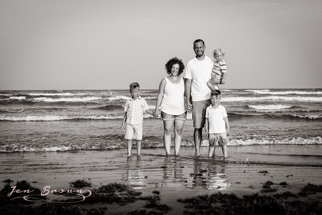 family photo location, perfect photo location, meaningful family photo locations, jen faith brown photography, port aransas, beach photo, family beach photo, family photography, flower mound photography,