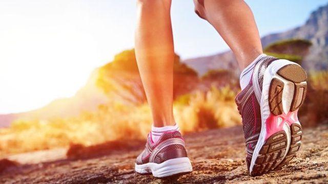 camminare, attività fisica, movimento, esercizi per ritornare in forma
