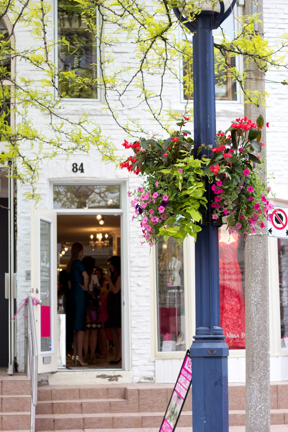 artemis-pop-up-jewellery-store-in-yorkville