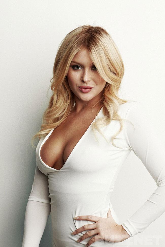 Have Renee olstead cleavage