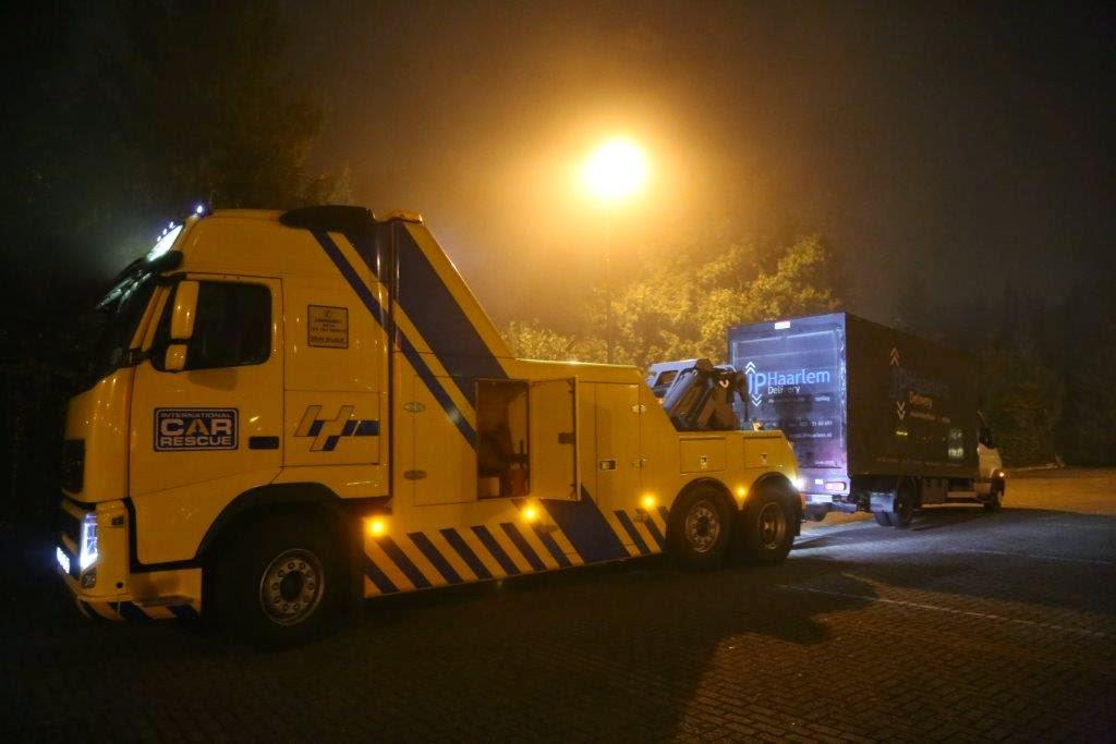 Vrachtwagen verliest wielen op snelweg A59 bij Nuland ...   1024 x 683 jpeg 72kB