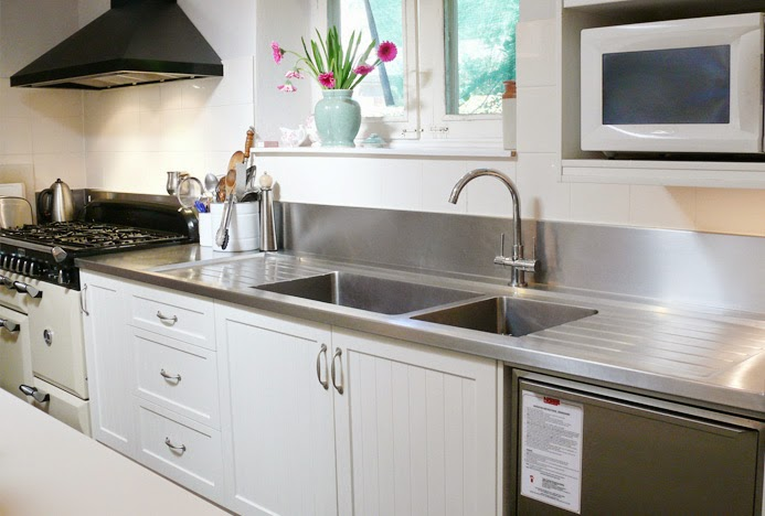 Merveilleux Stainless Steel Bench With Sink