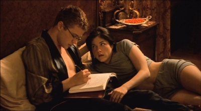 Ryan Philippe and Selma Blair in CRUEL INTENTIONS, a modernization of DANGEROUS LIAISONS