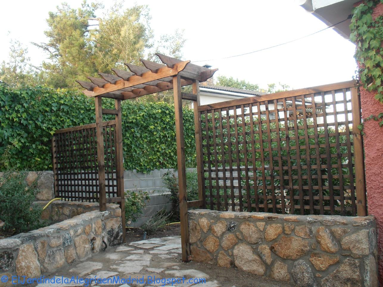 El jard n de la alegr a constru mos un arco de madera for Celosias de jardin