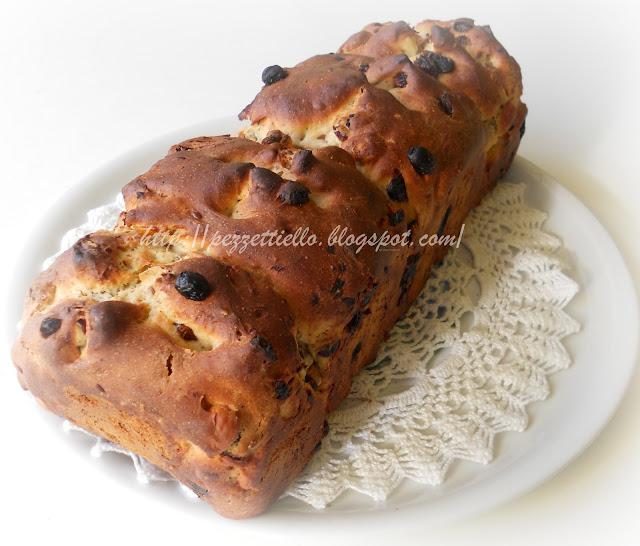 Pane in cassetta arricchito con frutta secca