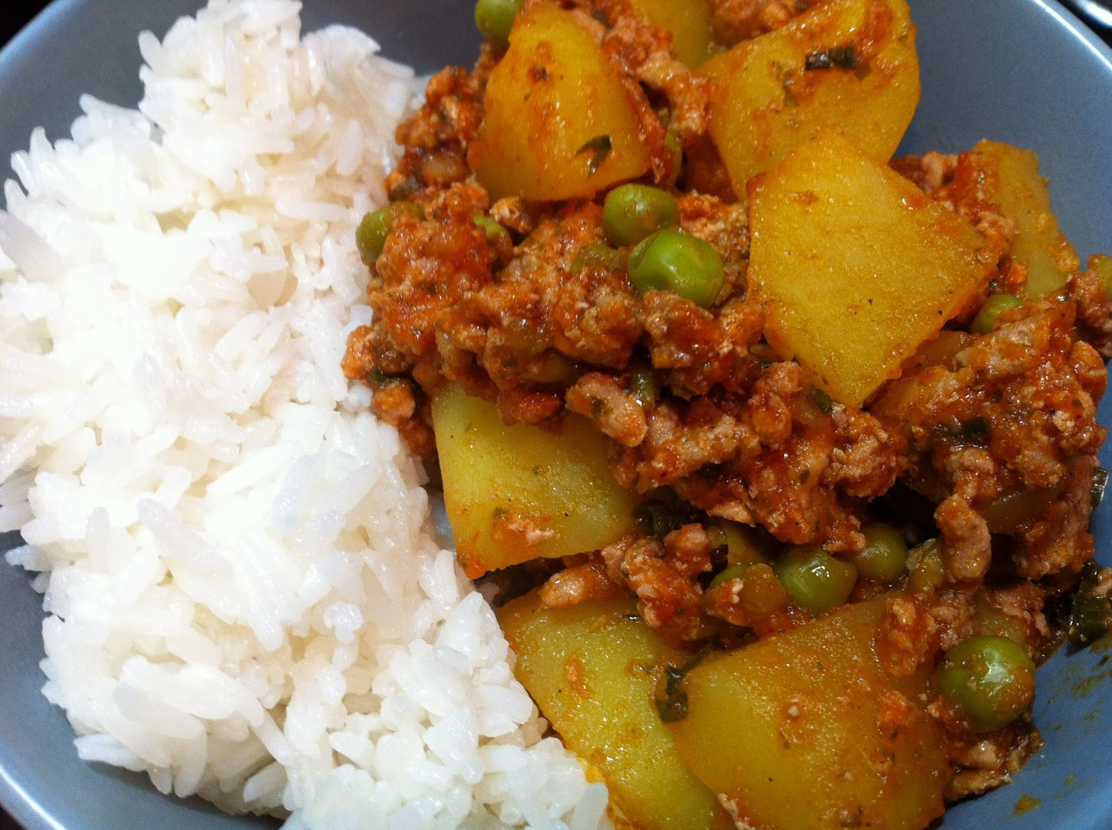 Cooking with SAHD: Indian Spiced Ground Turkey with Potatoes and Peas
