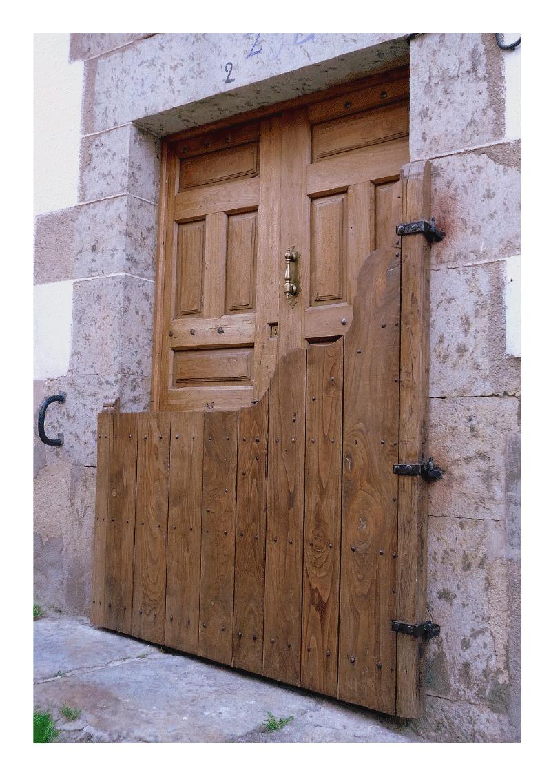 Candelario Salamanca puerta pricipal de una casa