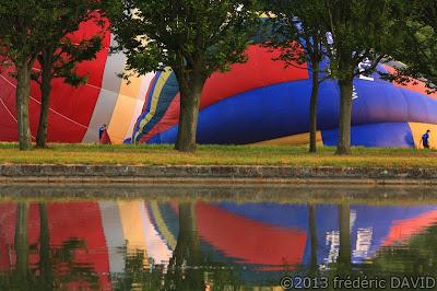 décollage ballon montgolfière château statue Fontainebleau Seine et Marne