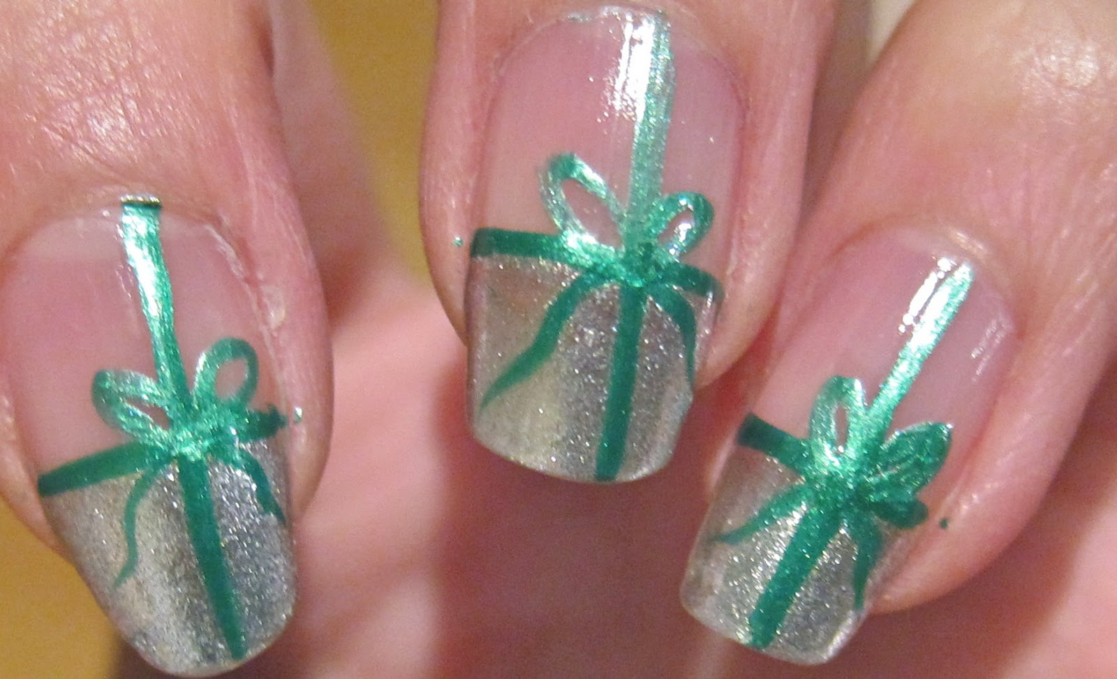 How to create these very beautiful festive yet easy nail design